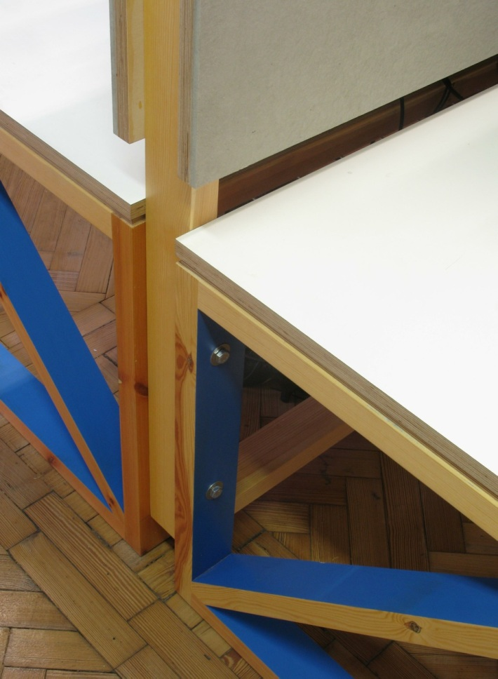 1DESK DETAIL MID